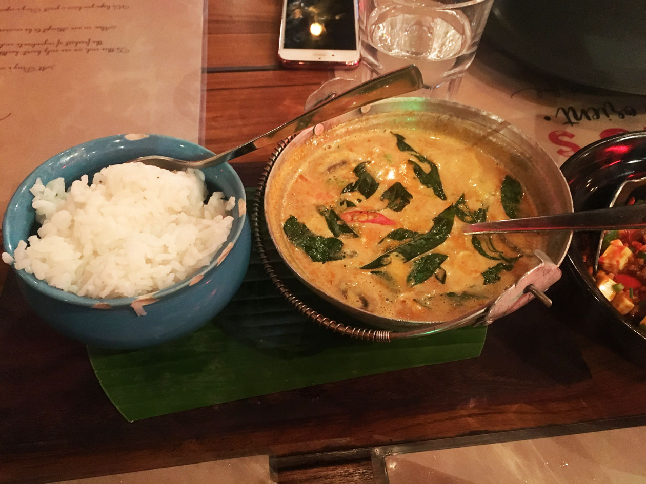 thefamilytable-pings-thai-red-curry